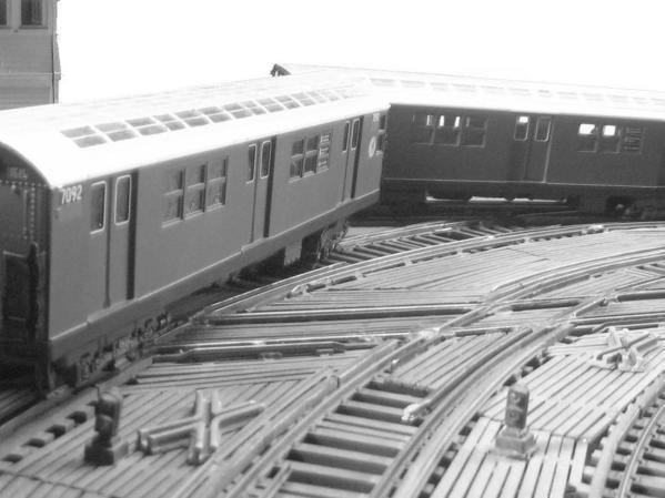 irt-train-splits-switch-on-the-el_5696201274_o
