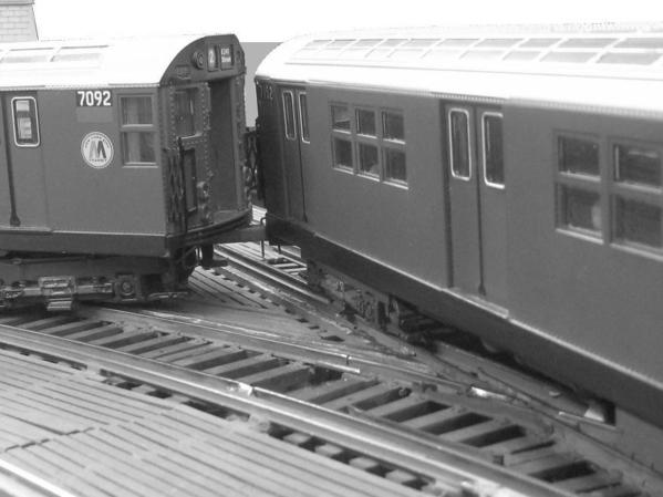 irt-train-splits-switch-on-the-el_5696201278_o