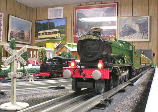 CLOSE UP SHAKESPEARE EXPRESS