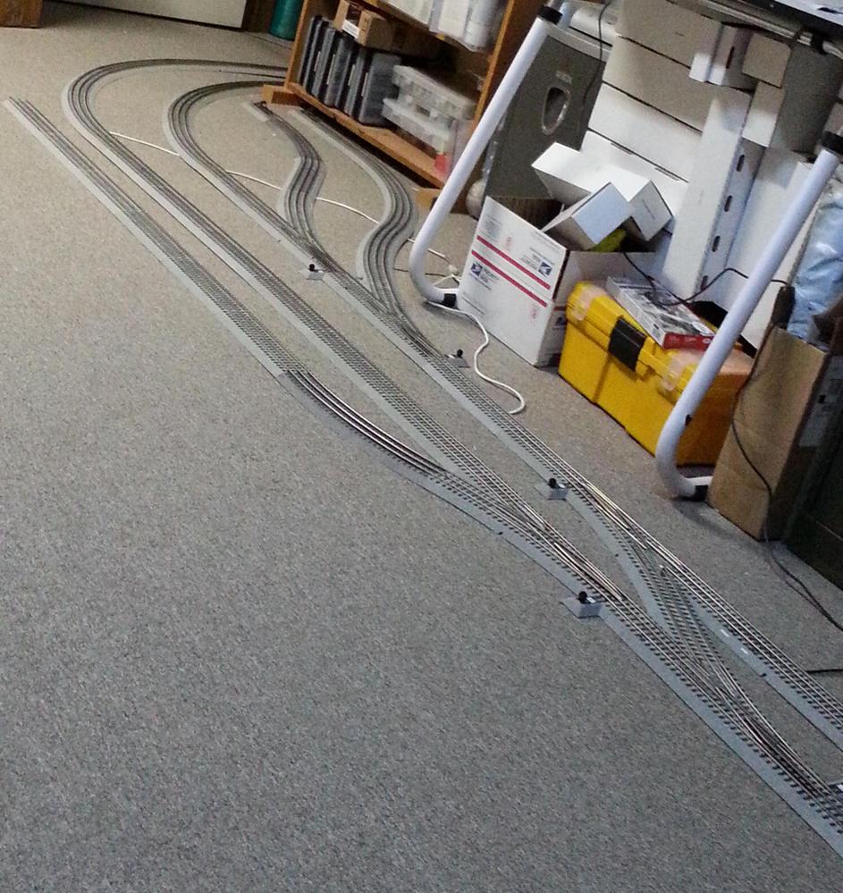 how many of you only run on carpet centrals o gauge railroading on rh ogrforum ogaugerr com