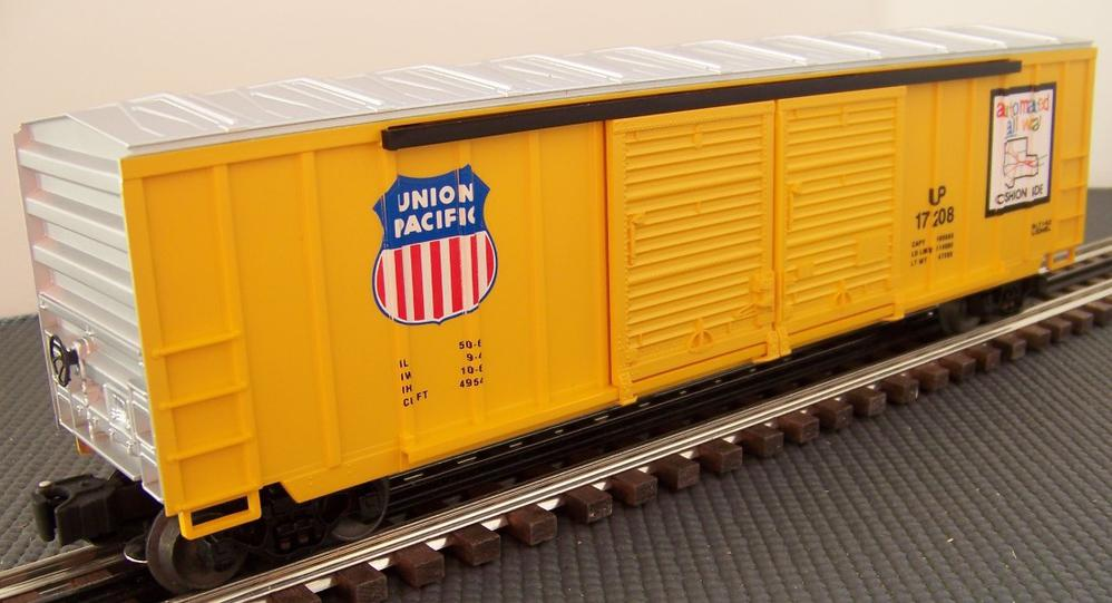 reworking the lionel 6 17208 union pacific 50 ft double door modern boxcar o gauge railroading. Black Bedroom Furniture Sets. Home Design Ideas