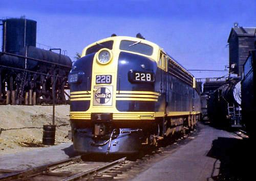 When Did Sante Fe Start Using The Blue Paint Scheme On F7s Trainboard Com The Internet S Original