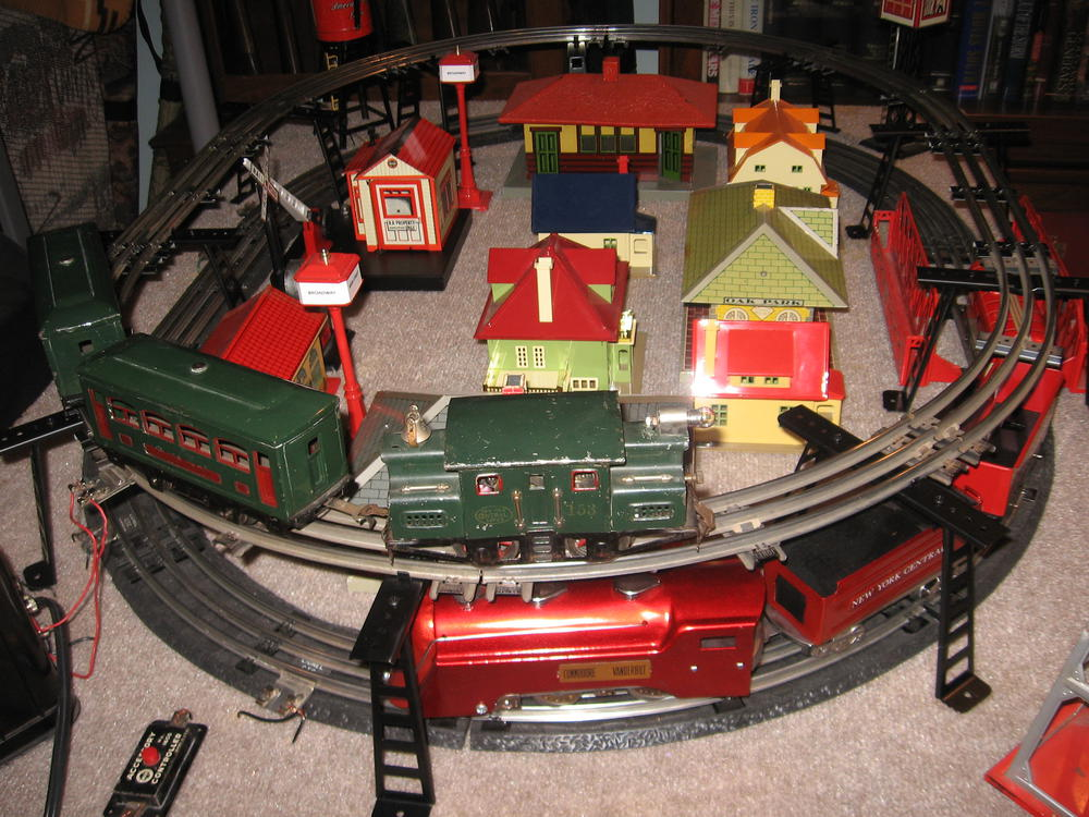 What Color And Material Is Your Tinplate Train Table O