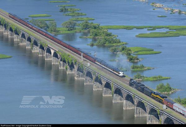 NS 956 meets 958