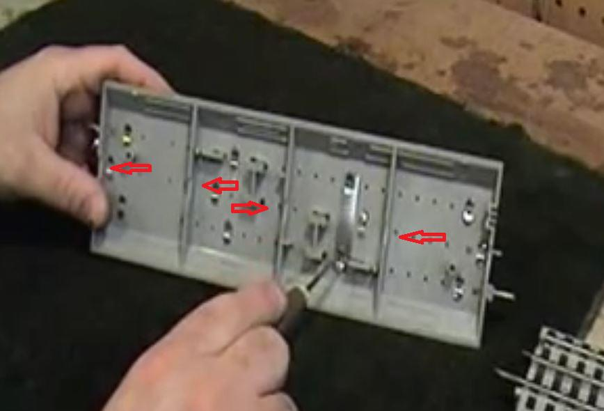 Hiding wires on carpet layouts – Lionel Fastrack Wiring Turn Out