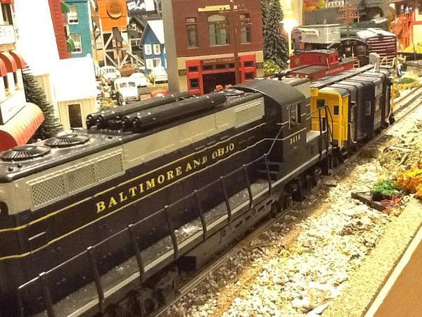 B&O GP9 & caboose