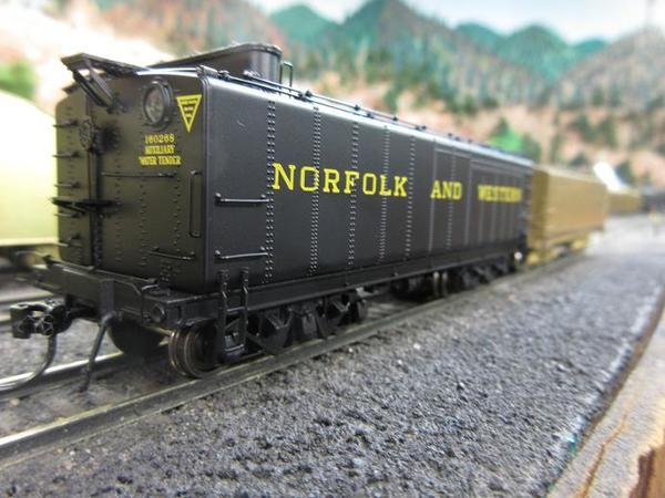 N&W auxiliary water car bli 02