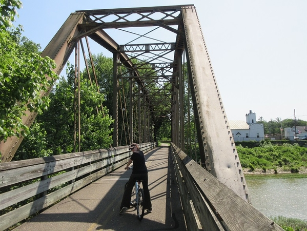 railroad bridge Morrow, Ohio 2019 01