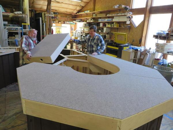 Straightforward Layout,Bob & Ray placing platform