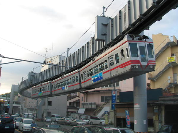 Shonan_monorail_type_500