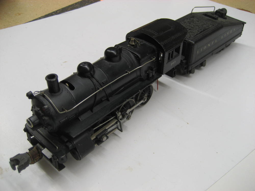 PHOTOS added--Early Lionel #203 slope back tender & 0-6-0 switcher on