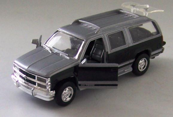 Road Champs 6440 1:43 scale diecast 1999 Chevy Suburban ...