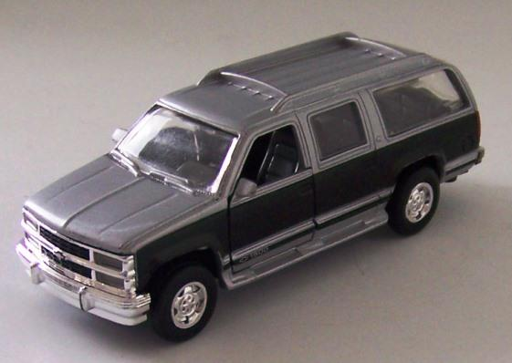 Road Champs 6440 1 43 Scale Diecast 1999 Chevy Suburban