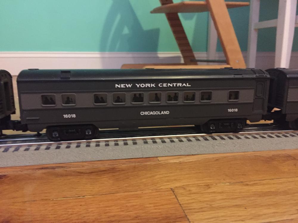Lionel New York Central Passenger Car Set