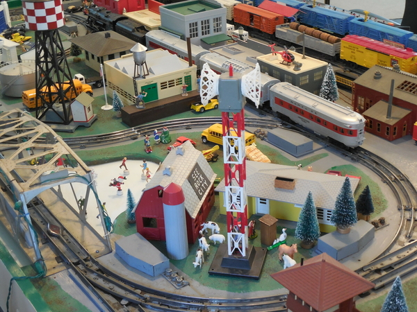 Train layout & room 1-19-2015 025