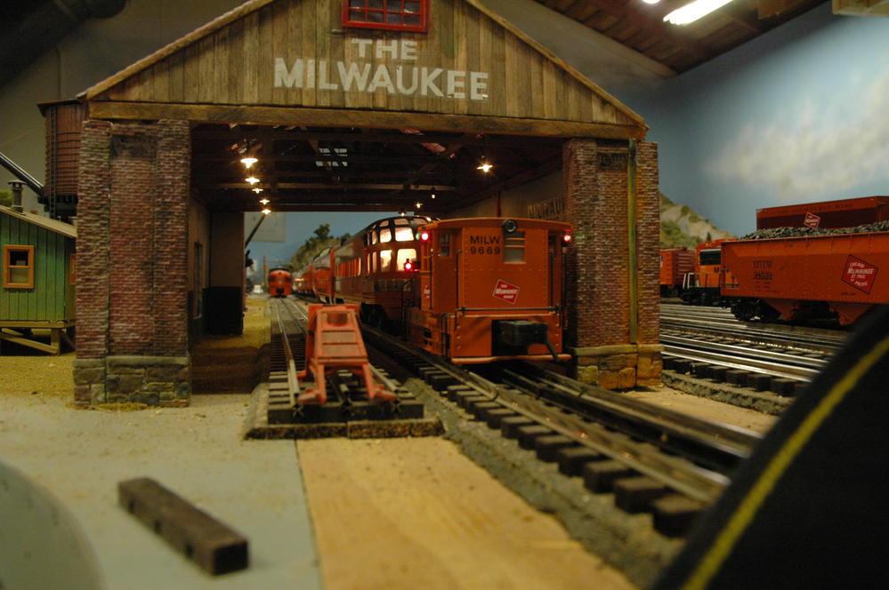 Need A Custom Built Engine Shed O Gauge Railroading On