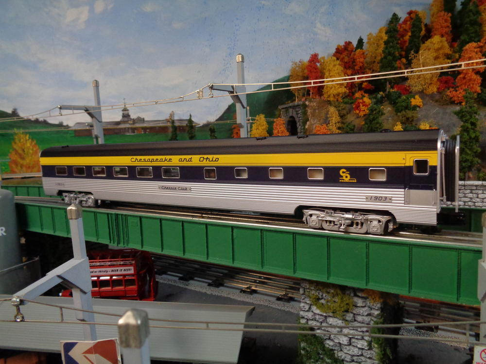 """Anyone Have Actual Photos Of The Lionel 21"""" C&O Passenger"""