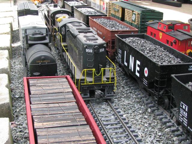 Backyard Train recent northeastern pa backyard railroad action | o gauge