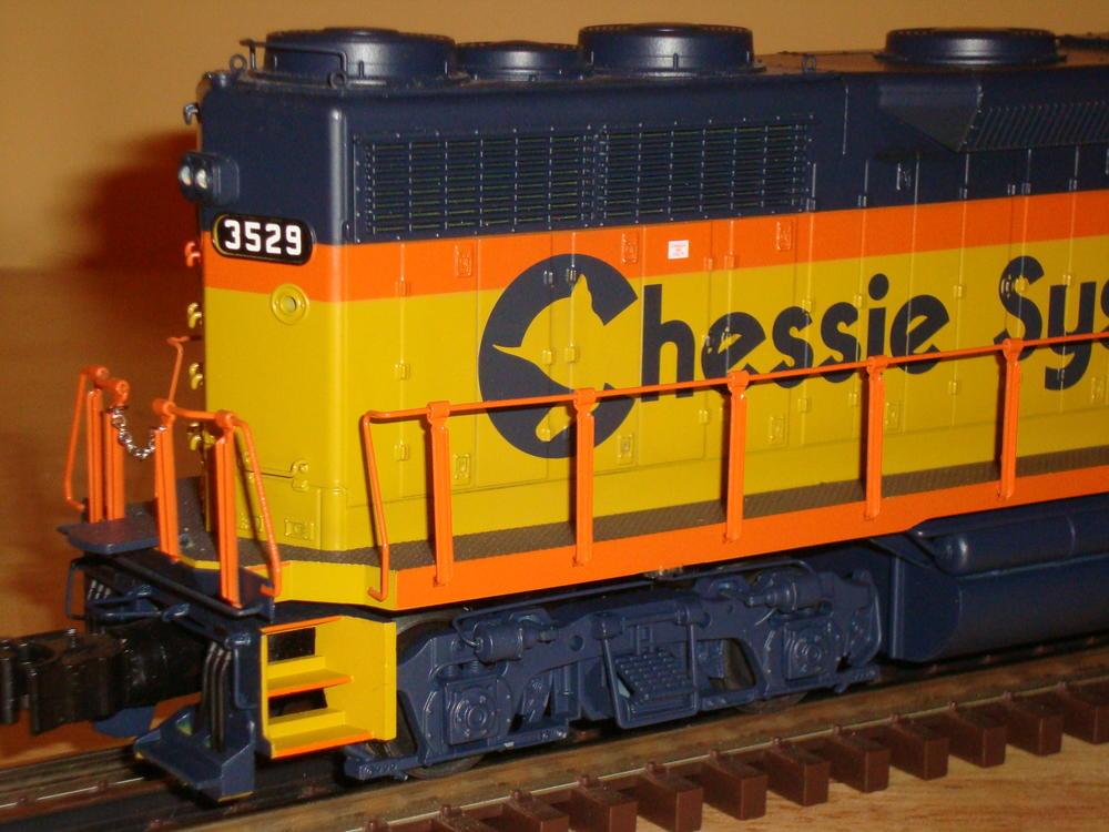 Lionel Legacy Chessie Gp35  6