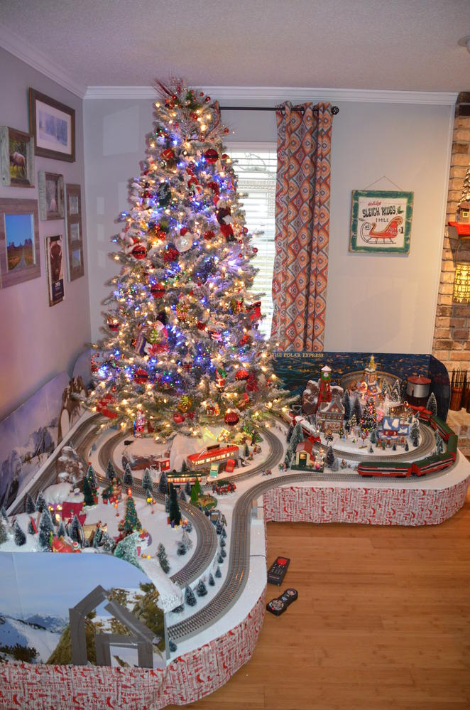 Christmas Tree Train.Christmas Tree Train Layout For 2016 O Gauge Railroading