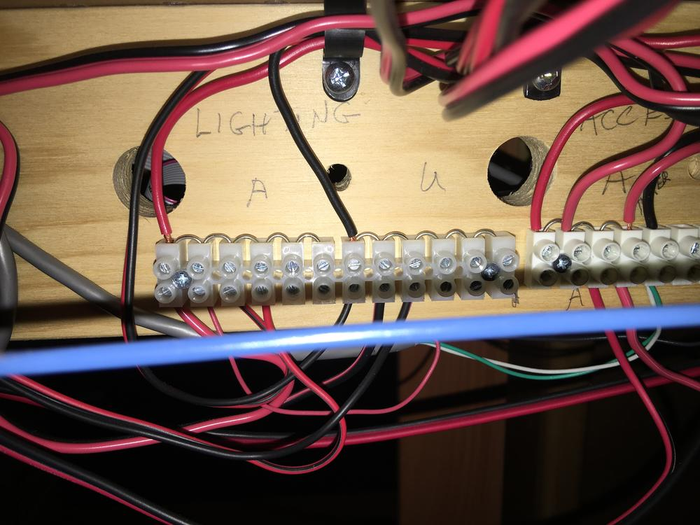 simplest way to connect wires of operating accessories to one cw 80 1266