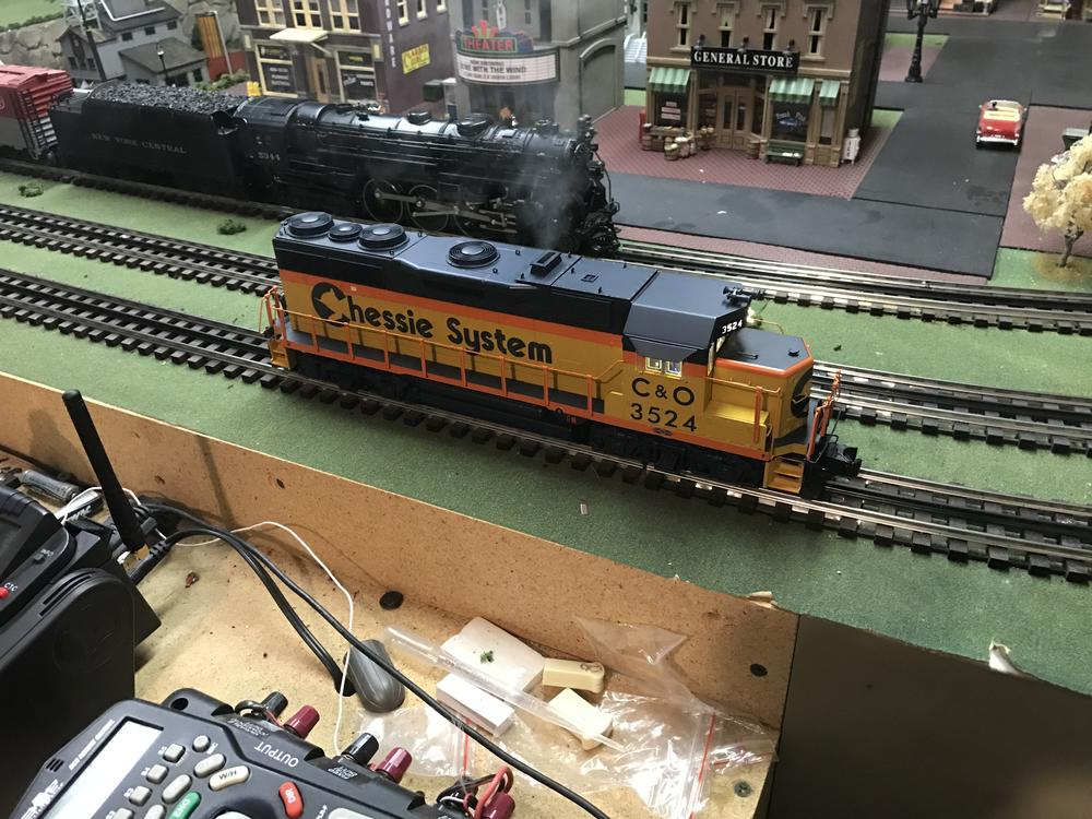 For Sale Lionel Legacy Chessie System Gp35