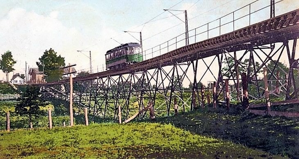 RHODE ISLAND COMPANY CAR ON THE PAWTUXET VALLEY ELECTRIC VIADUCT.