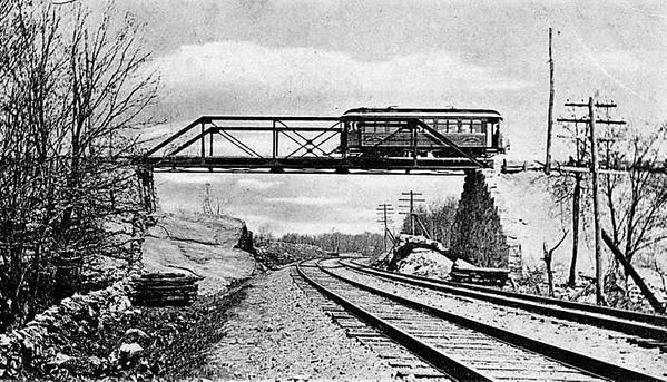 WEQUETEQUOK BRIDGE OVER THE NEW HAVEN'S SHORELINE