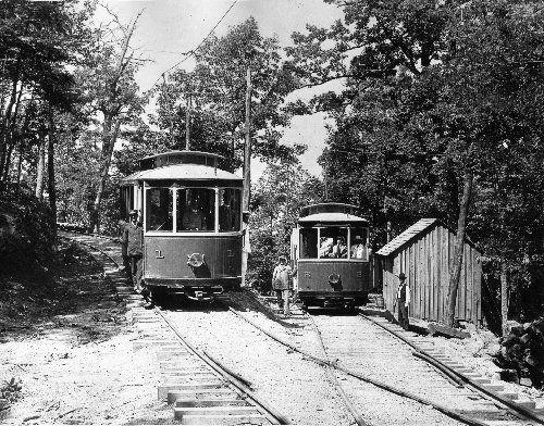 Asheville and Craggy Mountain Railway. Trolley cars and on the line up Sunset Mountain to Overlook Park