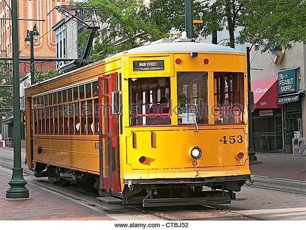 tennessee-memphis-downtown-main-street-vintage-electric-trolley-car-ctbj52