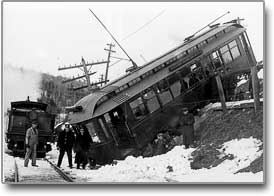 derailed_trolley
