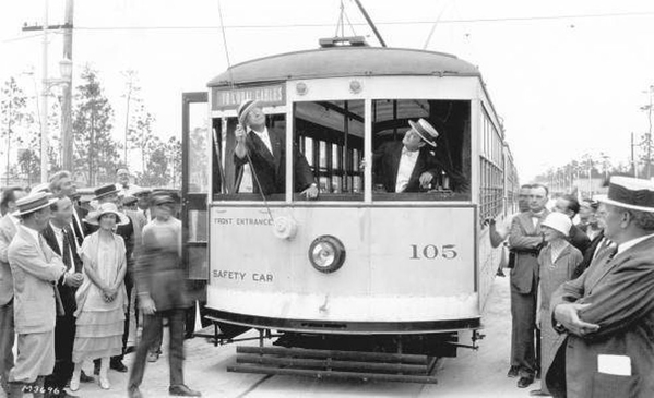 Gentlemen_in_streetcar_--_Coral_Gables_1925_0.0