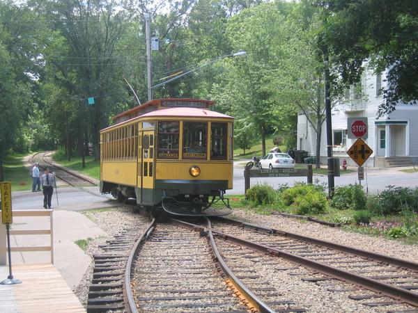 Como Herriot streetcar [1)