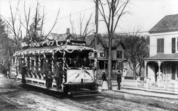 Putnam_&_Westchester_trolley_car_cph.3b18342