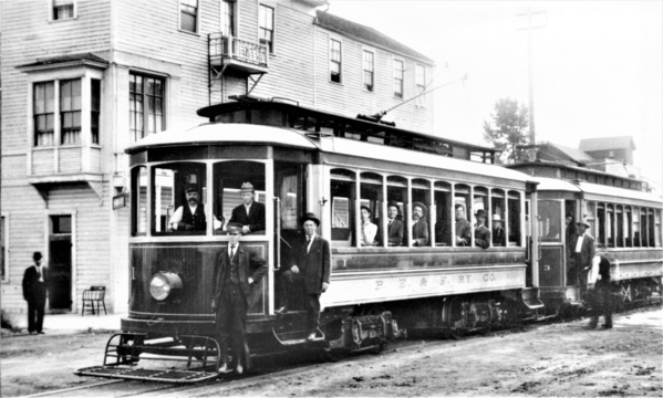 Albany_streetcar_trolleys_1_and_3_ca_1910