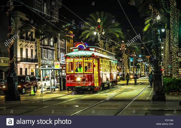 the-canal-streetcar-at-night-among-the-neon-lights-and-christmas-decorations-F3Y1B4