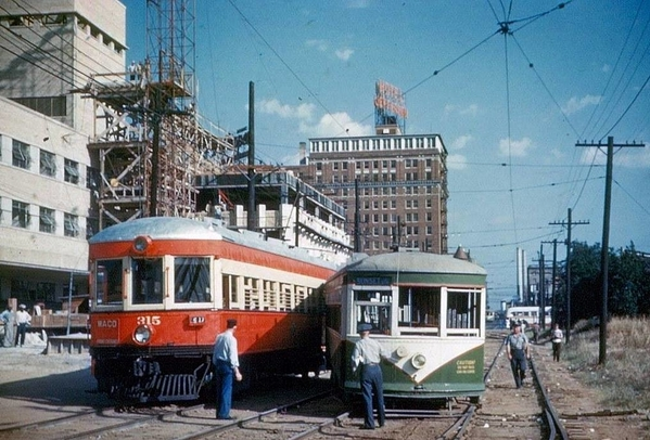 interurban-vs-streetcar in Dallas