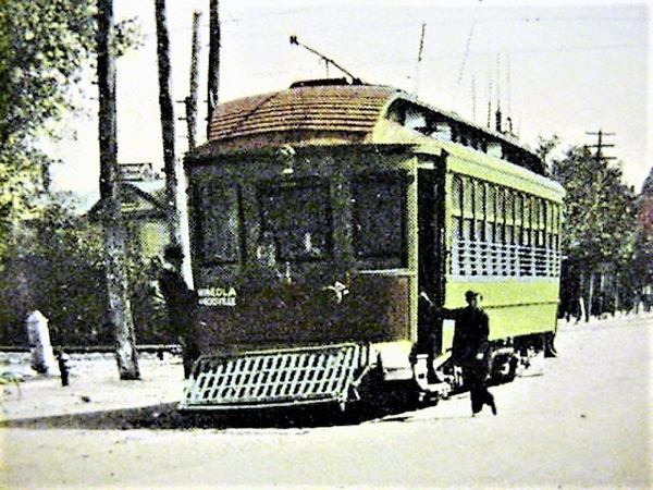 NY&NST Car @ Hicksville 1916