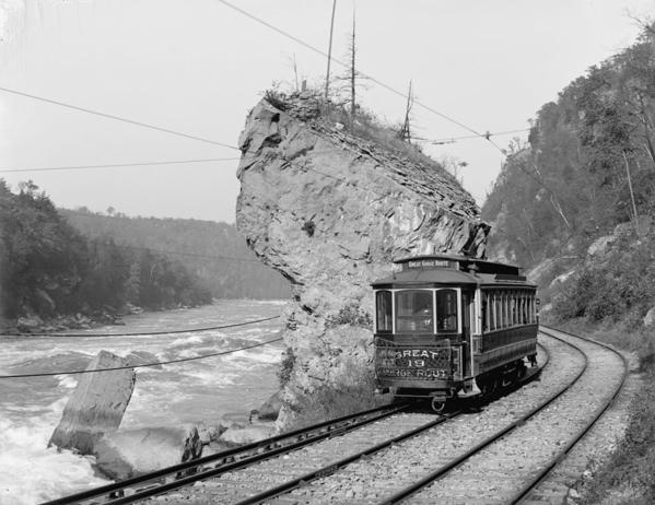 1024px-Niagara_Gorge_Railroad