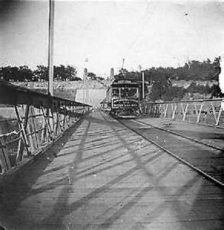 Niagara Falls Park & River Railway