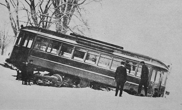 CM&H 210 derail ed by Ice February 2, 1915 at Hale's Corner in Gleasondale.