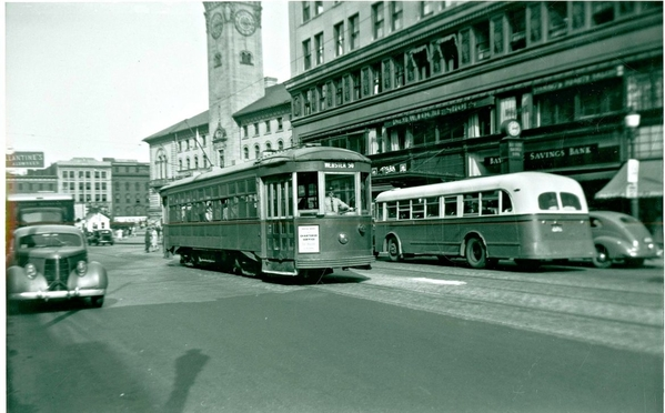 Worcester Consolidated Street Ry Car @ Main & Franklin Streets, September-26-1945