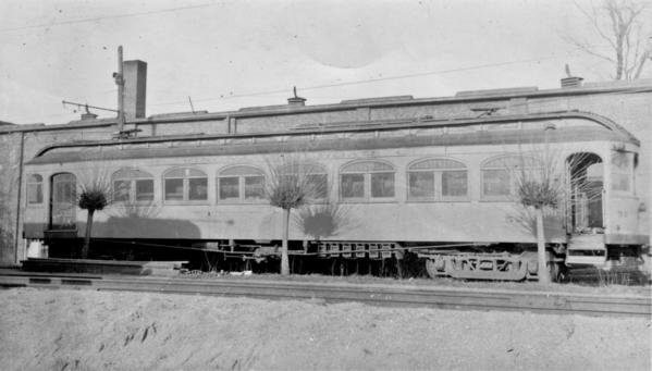Winona Car 52
