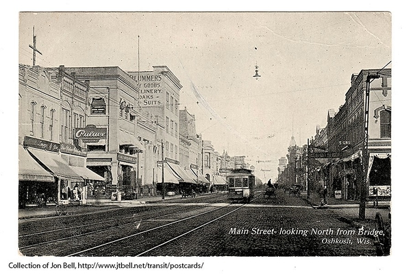 MainStLookingNFromBridge-1909