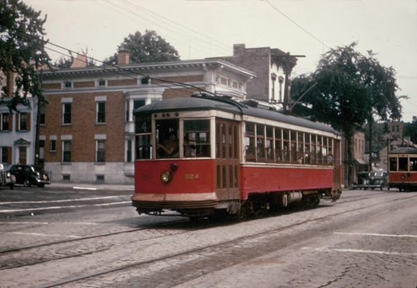 UTC 824 is seen heading west on Madison Avenue in Albany. Today this would be NYS Route 20.