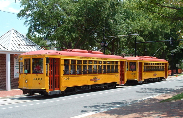 River_Rail_streetcars