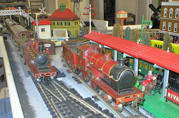 Close Up Bing Single Express and George V