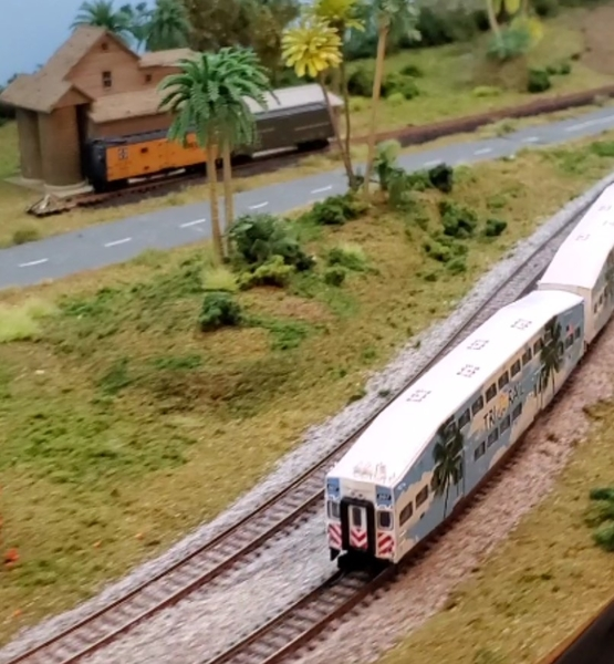 N Scale Tri-Rail at SFRM [1.4.20)