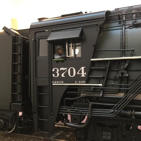 7E064A44-7E9B-4C32-8865-35835E440749