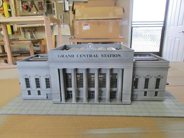 Walthers Union Station 002
